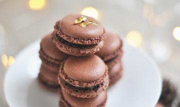 Zoom sur la recette de macarons au chocolat de Pierre Hermé